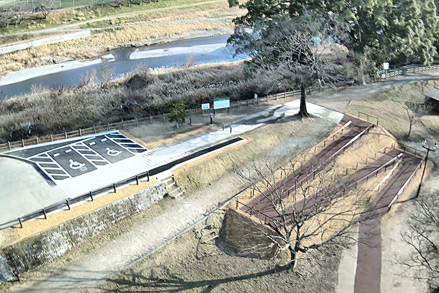 八女市 宮野公園 バリアフリー通路・駐車場
